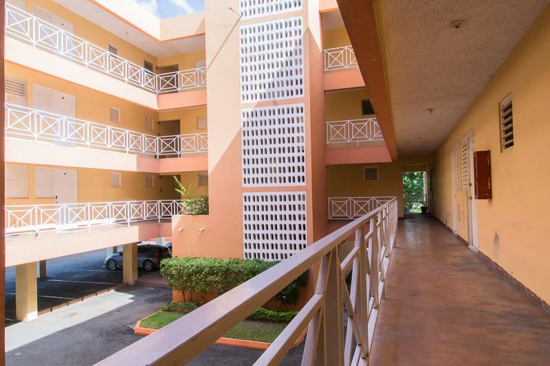 Strathrain Courts Kingston Jamaica Four Y Building